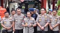 Kapolri Jenderal Tito Karnavian, saat memberikan keterangan pers di RS Bhayangkara Kota Jayapura. (Liputan6.com/Polda Papua/Katharina Janur)