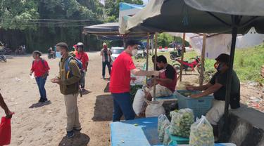 Serbuan Vaksinasi TNI Jelang PON di Papua