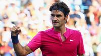 Petenis Swiss Roger Federer lolos ke final Cincinnati Masters usai menyingkirkan Andy Murray, Minggu (23/8/2015). (Liputan6.com/Maddie Meyer / GETTY IMAGES NORTH AMERICA / AFP)