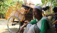 Mashuri. Memiliki gaya menabung produktif dari hasil menarik becak sehingga bisa berhaji. (foto: Liputan6.com / felek wahyu)