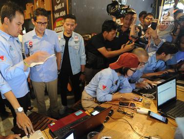 Sandiaga Uno Tinjau Relawan Penghitungan C1 di Tangerang Selatan