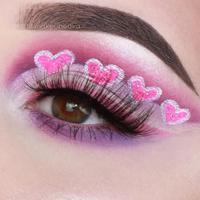 Eyeshadow bentuk hati yang pas untuk hari Valentine. (Instagram/makeupedka).
