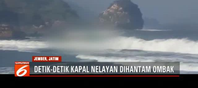 Dalam video tampak ombak besar menggulung kapal penangkap ikan bernama Joko Berek