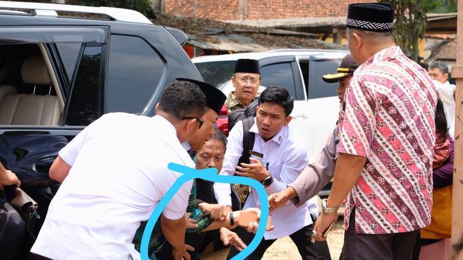 Menkopolhukam Wiranto diserang orang tak dikenal saat di Pandeglang, Banten. (Istimewa)