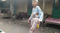 Miskin secara kasat mata tak menjamin mbah Suliyem masuk sebagai penerima manfaat Program Keluarga Harapan (PKH). (Foto: Liputan6.com/kusfitriyah Martyasih)