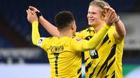 Bintang Borussia Dortmund, Erling Haaland (kanan) dan Jadon Sancho. (AFP/Ina Fassbender)