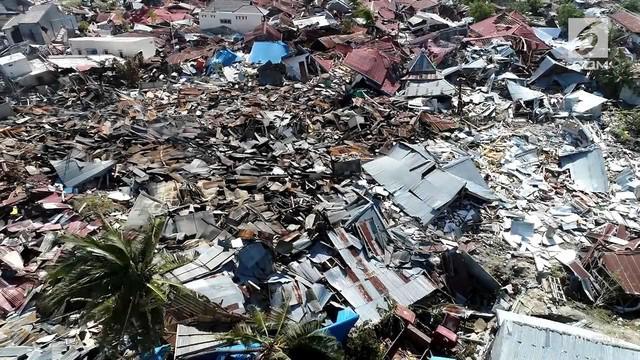 Gempa magnitudo 7,4 disusul tsunami di Palu dan sekitarnya menyisakan pilu bagi warganya. Pemulihan terus berlangsung agar Palu segera bangkit.