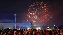Kehadiran Sandiaga Uno pastinya membuat suasana semakin ramai, meski tak bersama dengan Bapak Gubernur Anies Baswedan yang saat itu juga sedang menghadiri perayaan pesta tahun baru di Monas. (Deki Prayoga/Bintang.com)