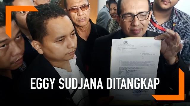 Eggy Sudjana ditangkap saat diperiksa di ruang penyidik Polda Metro Jaya. Penangkapan dirinya dilakukan terkait kasus dugaan makar.
