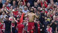 Pada menit ke-79 Liverpool menggandakan skor menjadi 2-0 melaui Mohamed Salah. Lagi-lagi, dari sepak pojok Mohamed Salah berhasil meneruskan sundulan yang dilepaskan Virgil van Dijk dengan sebuah tendangan kaki kiri yang bersarang di gawang Vicente Guaita. (AP/Jon Super)