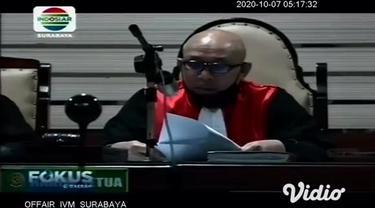 Majelis Hakim Pengadilan Tipikor Surabaya menjatuhkan vonis 3 tahun penjara, dan denda Rp 200 juta, subsider 6 bulan penjara kepada Bupati Sidoarjo nonaktif Saiful Ilah.