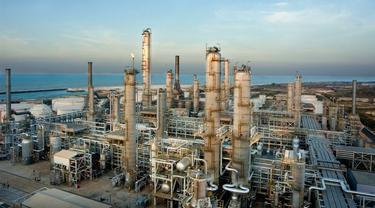 Kilang PT Trans Pacific Petrochemical Indotama (PT TPPI) ditargetkan menjadi penghasil Petrokimia Terbesar di Asia Tenggara.