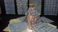 Batik dengan motif Ceplok, Cendrawasih, Kokrosono, dan Karung Buntal menjadi motif batik yang menjadi simbol kebangkitan industri batik di Yogyakarta pasca-gempa 2006.