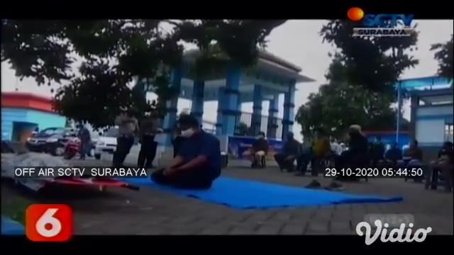 Satlantas Polres Tulungagung, Jawa Timur menerapkan sanksi unik dalam Operasi Zebra Semeru 2020 . Para pelanggar lalu lintas dihukum dengan melaksanakan salat ghoib untuk korban kecelakaan.