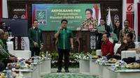 Ketua Umum PKB Muhaimin Iskandar berpidato saat acara pemberian mandat kepada pasangan calon gubernur dan wakil gubernur sejumlah provinsi yang diusung PKB di DPP PKB, Jakarta, Jumat (5/1). (Liputan6.com/Faizal Fanani)