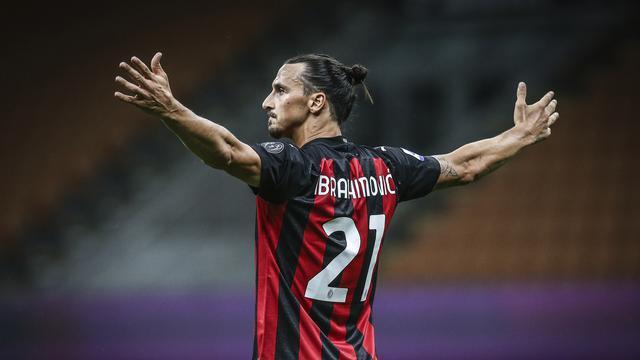 Hasil gambar untuk Zlatan Ibrahimovic (AC Milan