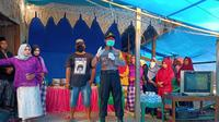Aparat kepolisian membubarkan acara resepsi pernikahan di Desa Adolang Kabupaten Majene
