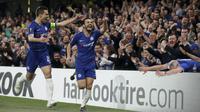 Gelandang Chelsea, Pedro, melakukan selebrasi usai membobol gawang Slavia Praha pada laga leg kedua perempat final Liga Europa di Stadion Stamford Bridge, Kamis (18/4/2019). Chelsea menang 4-3 atas Slavia Praha. (AP/Matt Dunham)