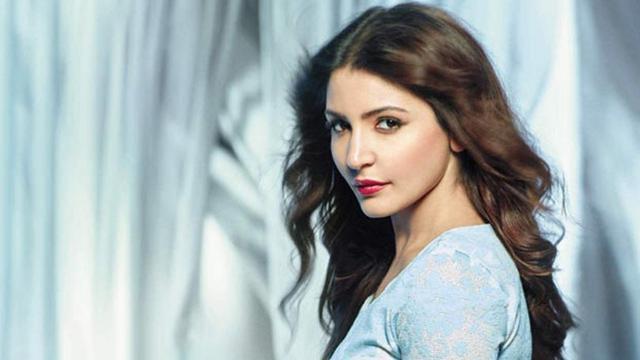 Terjun ke Industri Fashion, Artis Seksi Anushka Sharma Plagiat? - ShowBiz  Liputan6.com