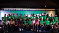 PSMS Medan meluncurkan jersey yang akan dikenakan untuk mengarungi kmpetisi Go-Jek Traveloka Liga 1 2018.di Medan Club, Kota Medan, Sumatera Utara, Rabu (21/3/2018). (Liputan6.com/ Reza Perdana)