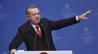 Presiden Turki Recep Tayyip Erdogan dalam forum pertemuan darurat OKI di Istanbul