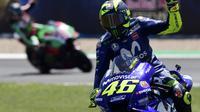 Penampilan pembalap Movistar Yamaha, Valentino Rossi pada MotoGP Spanyol 2018 di Sirkuit Jerez. (JAVIER SORIANO / AFP)