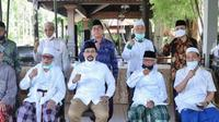Wakil Rais Syuriah PWNU Jatim KH Ali Maschan Moesa-Machfud Arifin