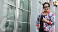 Dengan mengenakan busana berwarna merah biru dan dipadu dengan hitam, Soimah tampak cantik. (Liputan6.com/Herman Zakharia)