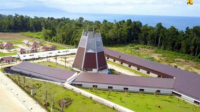 Pos Lintas Batas Negara (PLBN) Terpadu Skouw yang berada di Distrik Muara Tami, Kota Jayapura, Papua. (Foto: Kementerian PUPR)