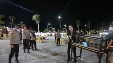 pembubaran pengunjung cafe di Kota Palu