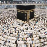 Keindahan Masjidil Haram gak cuma sanggup membuat takjub umat Muslim saja.