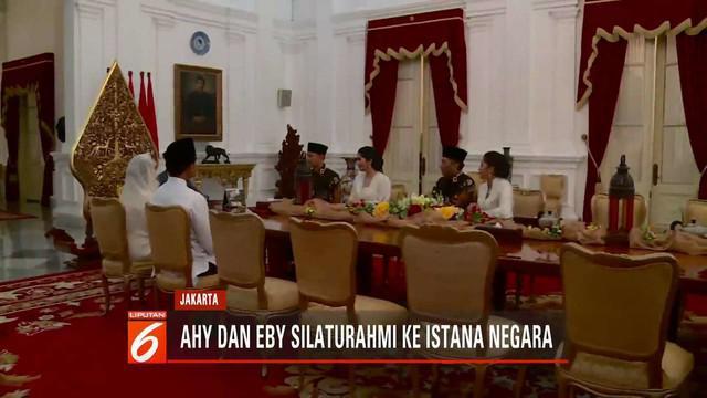 Kedua putra serta menantu Susilo Bambang Yudhoyono bersilaturahmi dengan Presiden Jokowi beserta Iriana Jokowi di Istana Negara.