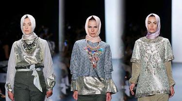Anniesa Hasibuan di panggung New York Fashion Week