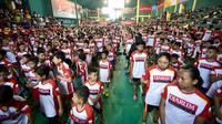 Sebanyak 221 atlet putra dan putri lolos ke tahap selanjutnya Audisi Umum Djarum Beasiswa Bulutangkis 2018 di GOR Sudirman, Kertajaya, Surabaya, Sabtu (21/7/2018). (Bola.com/Zaidan Nazarul)