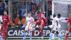 Video gol terbaik Zlatan Ibrahimovic dengan tendangan kung fu saat Paris Saint-Germain melawan Olympique de Marseille.