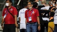 COO Bhayangkara  FC, Sumardji setelah cekcok dengan pelatih Persib Bandung, Robert Alberts pada pekan ketujuh BRI Liga 1 di Stadion dr. H. Moch. Soebroto, Magelang, Sabtu (16/10/2021). (Bola.com/Bagaskara Lazuardi).