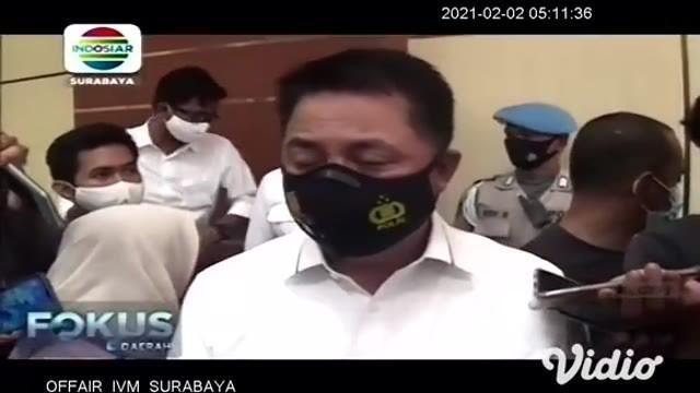 Kasus prostitusi anak di bawah umur melalui media sosial, diungkap Subdit Siber Ditreskrimsus Polda Jawa Timur. Yang mengejutkan sebanyak 36 anak di bawah umur yang masih pelajar SMP dan SMA ini dijual oleh tersangka sebagai PSK.