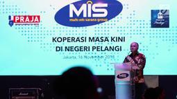 Chairman Multi Inti Sarana (MIS) Group Tedy Agustiansjah memberikan sambutan saat Penganugrahan Lomba Foto Praja 2018 sekaligus peluncuran Pracico Privilege di Jakarta, Jumat (16/11). (Liputan6.com/Johan Tallo)