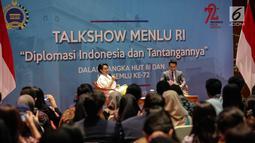 Suasana talkshow Diplomasi Indonesia dan Tantangannya yang dihadiri oleh Menteri Luar Negeri RI Retno Marsudi di Kementerian Luar Negeri, Jakarta, Jumat (11/8). Acara tersebut juga dihadiri mahasiswa dari Jabodetabek. (Liputan6.com/Faizal Fanani)