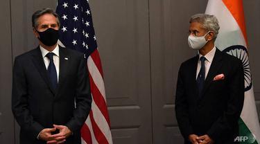 Menteri Luar Negeri AS Antony Blinken menghadiri konferensi pers dengan Menteri Luar Negeri India Subrahmanyam Jaishankar setelah pertemuan bilateral di London pada 3 Mei 2021, selama pertemuan para menteri luar negeri G7.