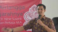 Dosen Ilmu Sejarah Fakultas Ilmu Budaya (FIB) Universitas Airlangga, Adrian Perkasa. (Foto: Liputan6.com/Dian Kurniawan)