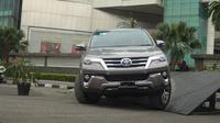 Wakil Presiden Direktur PT Toyota-Astra Motor, Henry Tanoto memprediksi, Fortuner VRZ 2,4 A/T yang dipatok Rp 494 juta jadi yang terlaris.