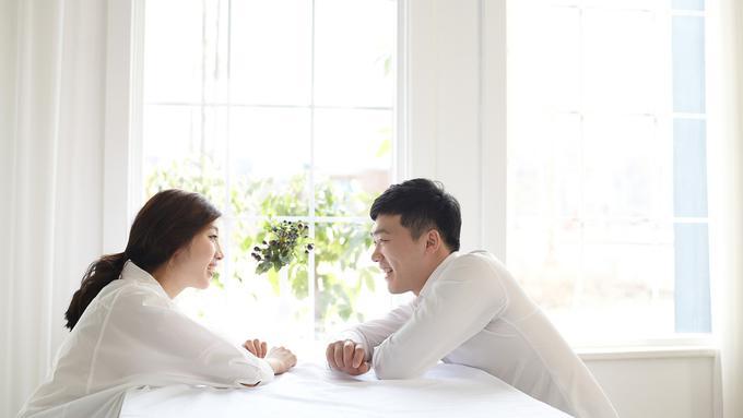 Topik percakapan sesuai zodiak yang membuatnya jatuh cinta