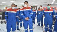 Komisaris Utama Pertamina Basuki Tjahaja Purnama (Ahok) dan Komisaris, Condro Kirono tinjau Kilang Minyak Balongan. (Dok. Pertamina)