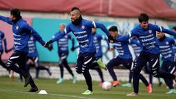 Gelandang timnas Chile, Arturo Vidal selama sesi latihan menjelang pertandingan Copa America 2021 melawan Brasil di Santiago, Rabu (30/6/2021). Laga Brasil vs Chile di babak perempat final akan berlangsung di Stadion Nilton Santos pada Sabtu, 3 Juli 2021. (CARLOS PARRA/ANFP/AFP)