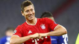 1. Robert Lewandowski (Bayern Munchen) - Striker Timnas Polandia itu berhasil menambah pundi gol nya saat melawan Lyon di semifinal Liga Champions. Tambahan satu gol nya tersebut membuat Lewandowski kukuh di posisi puncak dengan 15 gol. (AP/Matthias Schrader)