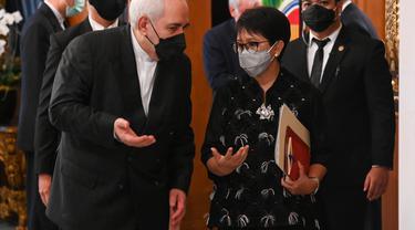 Pertemuan Menlu Retno Marsudi dan Menlu Iran Mohammad Javad Zarif.