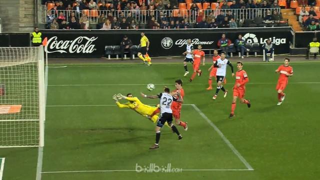 Valencia menang tipis 2-1 atas Real Sociedad di stadion Mestalla, Senin (26/2) dini hari WIB. Pada menit ke-34, gelandang Valencia...
