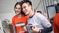 Pasangan Baim Wong dan Paula Verhoeven hadir memberikan dukung kepada Tio Pakusadewo dalam sidang lanjutan pembacaan pledoi di Pengadilan Negeri Jakarta Selatan, Jalan Ampera Raya, Jakarta, Kamis (28/6). (Liputan6.com/Faizal Fanani)