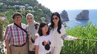 Annisa Pohan ungkap alasan dirinya jarang sekali mengunggah potret bersama keluarganya (Dok.Instagram/@annisayudhoyonohttps://www.instagram.com/p/CBS4LZjDizy/Komarudin)